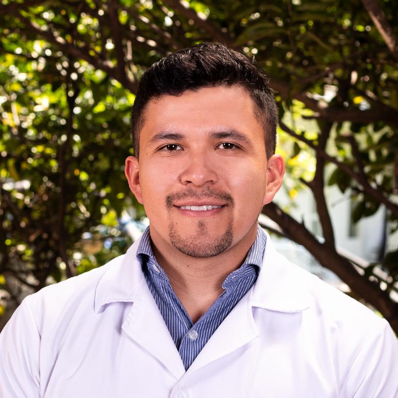 Dr. David de la Torre